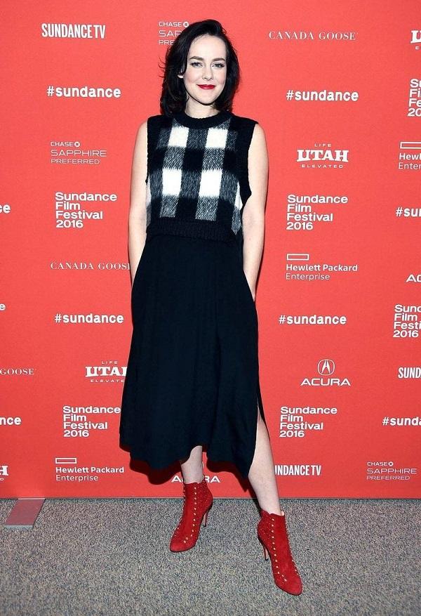 Celebrità del film in gravidanza: l'attrice incinta Jena Malone