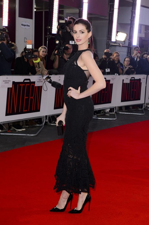 Celebrità incinte: Anne Hathaway incinta
