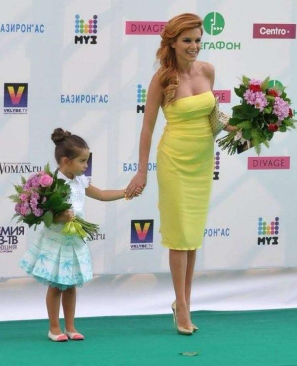 Celebrità incinte della Russia: incinta Ksenia Borodina
