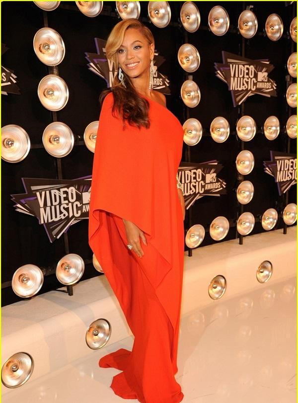 Star dello spettacolo incinte: la cantante incinta Beyoncé