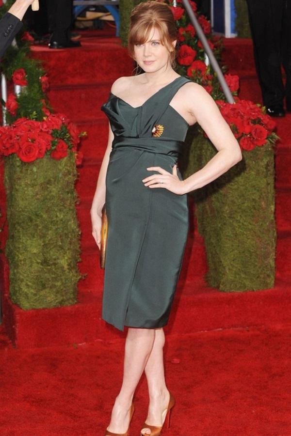 Celebrità incinte: la cantante e attrice incinta Amy Adams