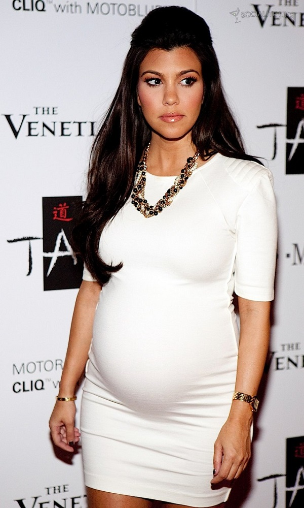 Celebrità incinte: la socialite Kortney Kardashian