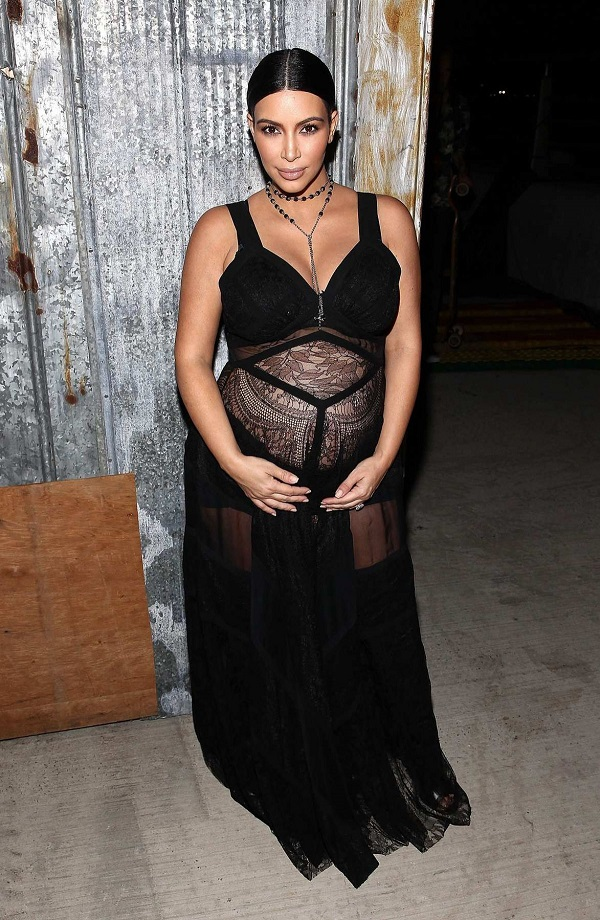 Celebrità incinte: la socialite incinta Kim Kardashian