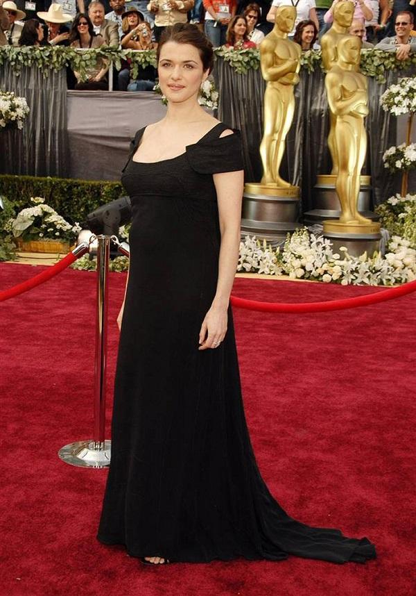 Stelle incinte: l'attrice incinta Rachel Weisz